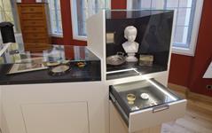 Stoltze-Museum der Frankfurter Sparkasse, Vitrine 3, Foto: Uwe Dettmar